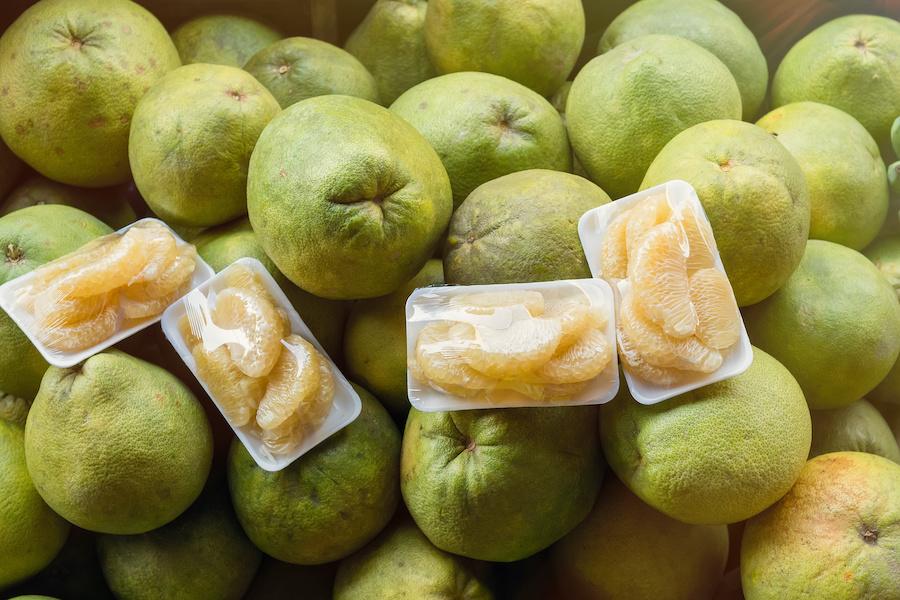 タイのフルーツ:ソムオー(ポメロ)【ส้มโอ】