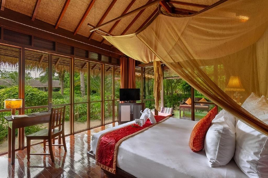 ジボラ ホテル