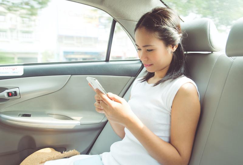 タイ タクシー 女性