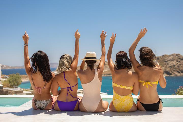 女性グループ プール