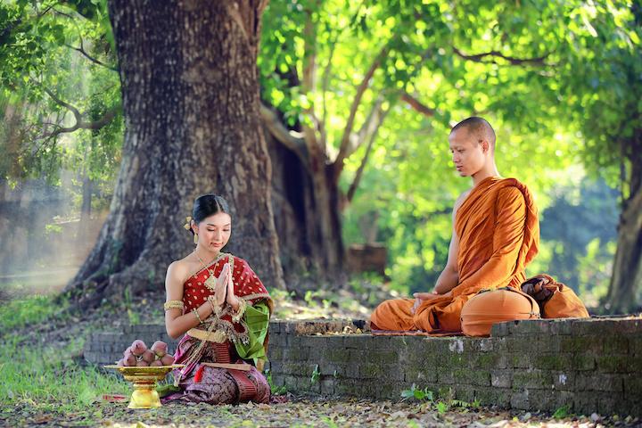 タイ 僧侶と女性
