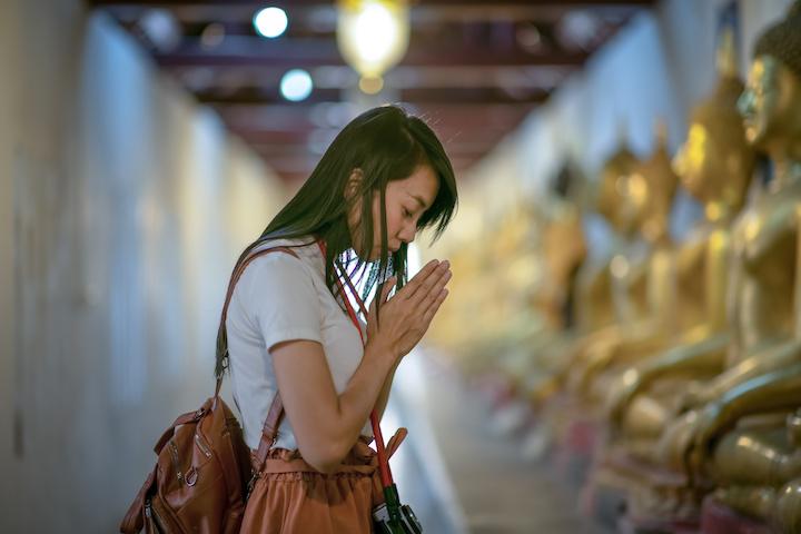 タイ 女性 仏像