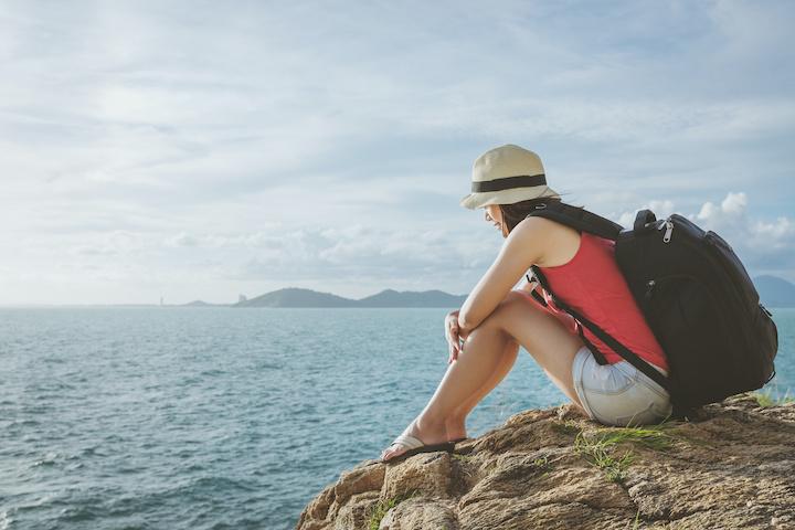 サメット島 ビーチ 女性