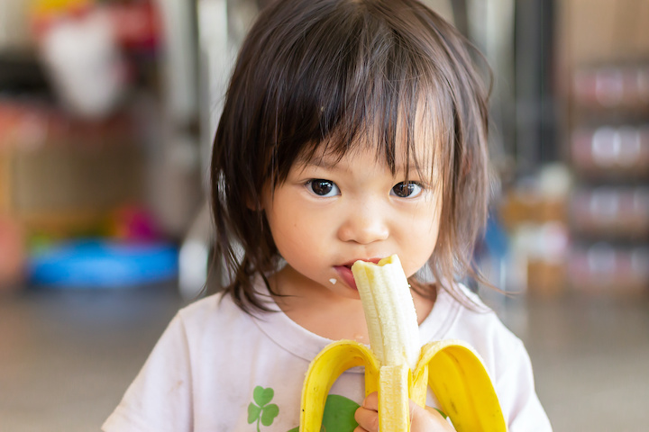 タイ バナナと女の子
